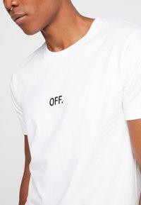 Mister Tee - OFF TEE - T-shirt print - white - 4