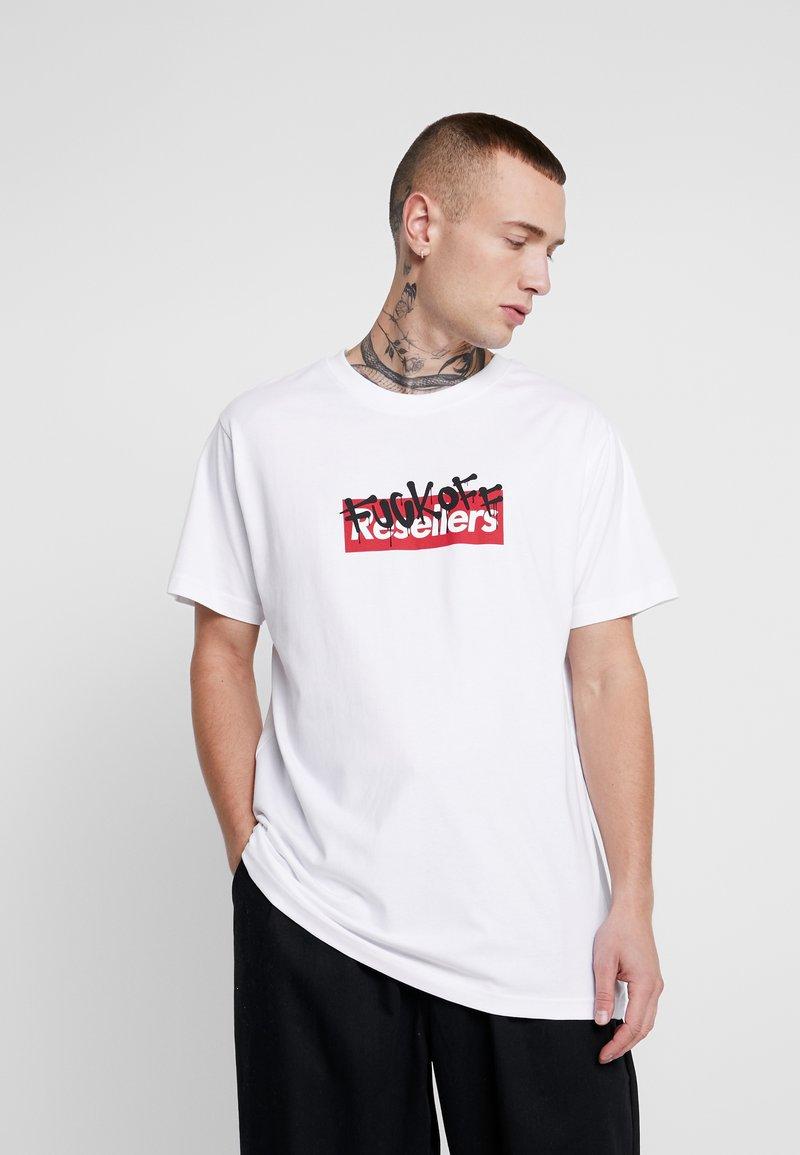Mister Tee - RESELLER TEE - Triko spotiskem - white