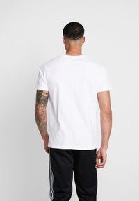 Mister Tee - WASTED TEE - T-shirt med print - white - 2