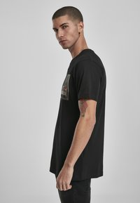 Mister Tee - CAN´T HANG WITH US  - T-shirt print - black - 4