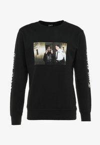 Mister Tee - TRUST NOBODY CREWNECK - Sweatshirt - black - 4