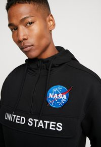 Mister Tee - NASA DEFINITION PULL OVER HOODY - Mikina s kapucí - black - 3