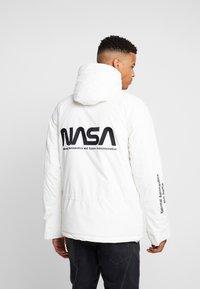 Mister Tee - NASA - Jas - white - 2