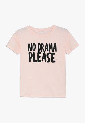 KIDS NO DRAMA TEE - Print T-shirt - rosa