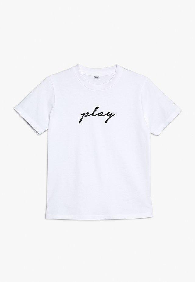 KIDS PLAY TEE - Print T-shirt - weiss