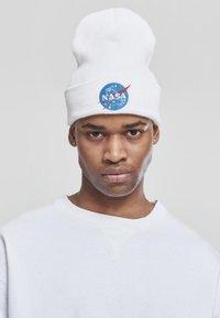 Mister Tee - NASA  - Beanie - white - 2
