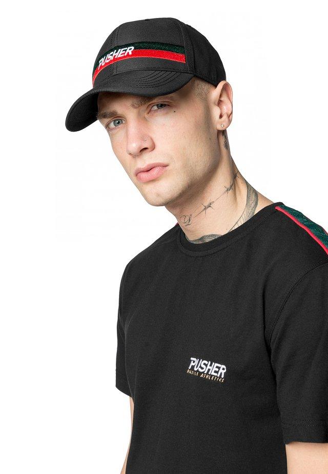 MISTER TEE HERREN PUSHER HUSTLE DAD CAP - Cap - black/green/red