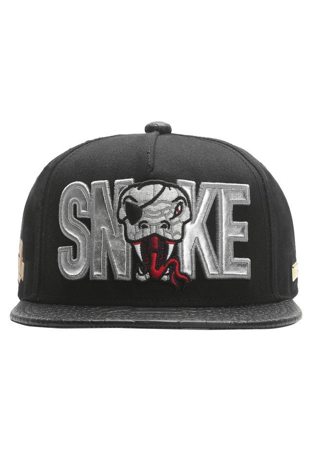 MISTER TEE CAP SNAKE CAP - Pet - black/silver/red
