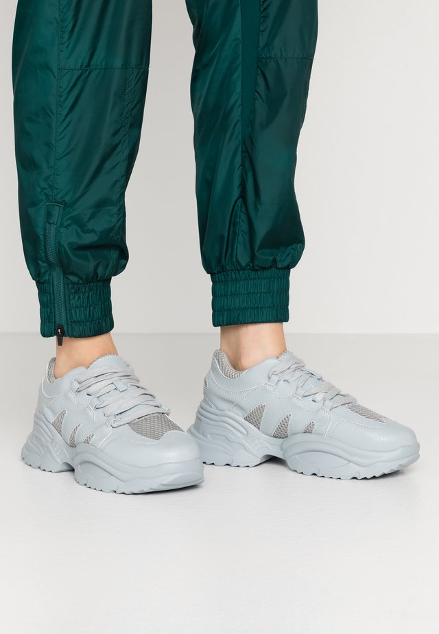 WAVE TRAINER - Sneakers laag - blue