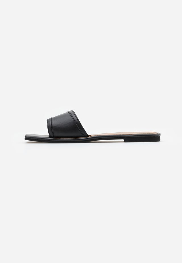 SQUARE TOE SIMPLE STRAP FLAT  - Mules - black
