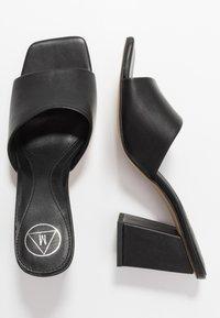 Missguided - CHUNKY SQUARE FRONT MULE - Pantofle na podpatku - black - 3
