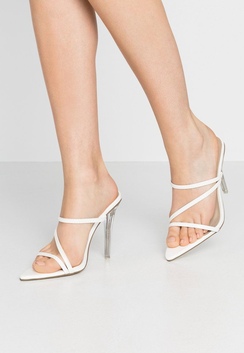 Missguided - TRIPLE STRAP - Mules à talons - white