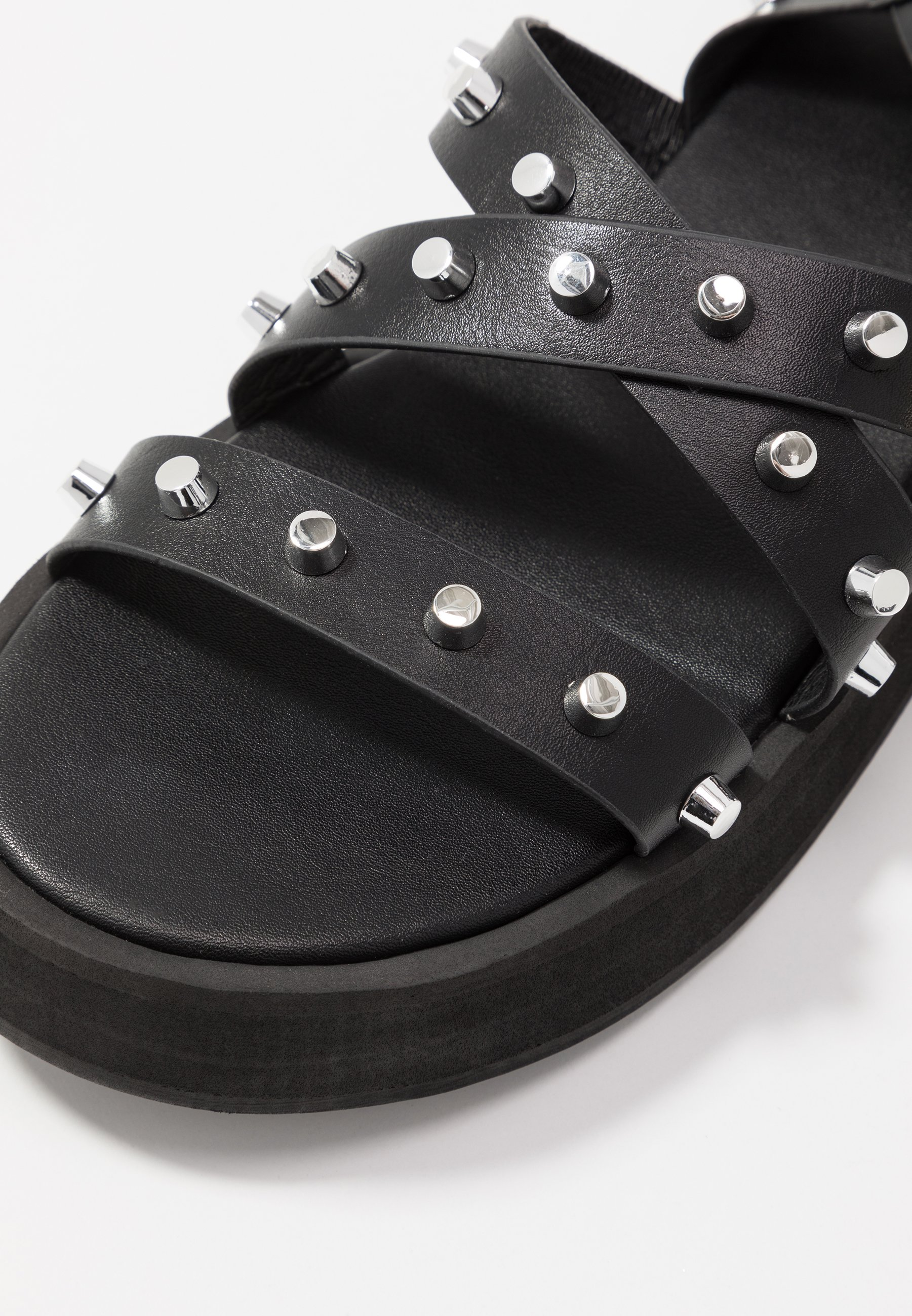 Missguided THICK STRAP CHUNKY STUD - Plateausandaler - black GsGCj