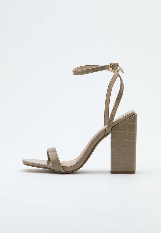 CHUNKY BLOCK BARELY - High heeled sandals - green