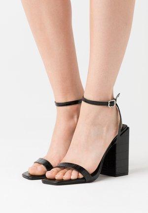 CHUNKY BLOCK BARELY - Sandales à talons hauts - black