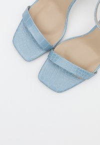 Missguided - MID BARELY THERE FLOW - High heeled sandals - blue - 5