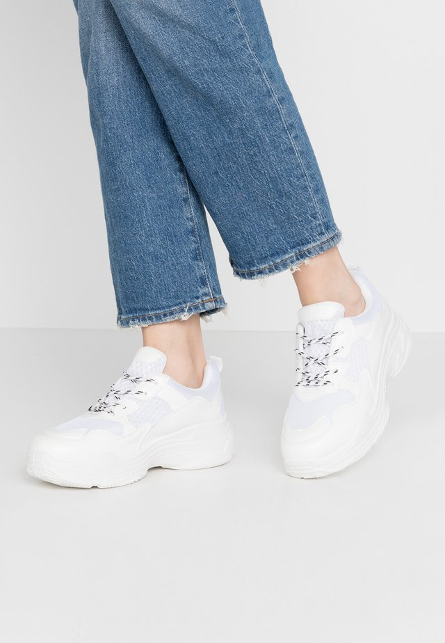 CHUNKY TRAINERS - Trainers - white