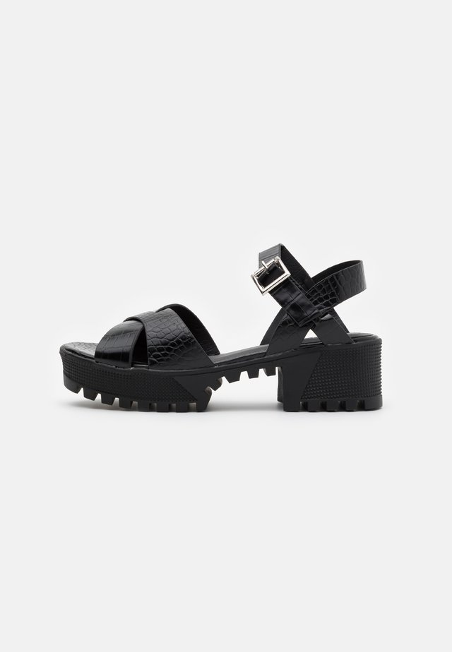 CROSS FRONT CHUNKY SPLIT SOLE  - Platform sandals - black