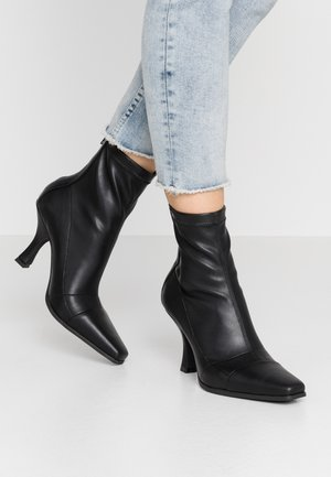 SNIPPED TOE BOOT - Classic ankle boots - black