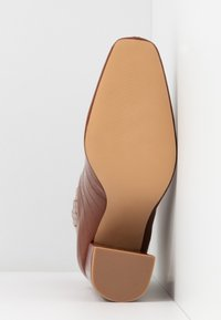 Missguided - COVERED GUSSET - High heeled ankle boots - brown - 6