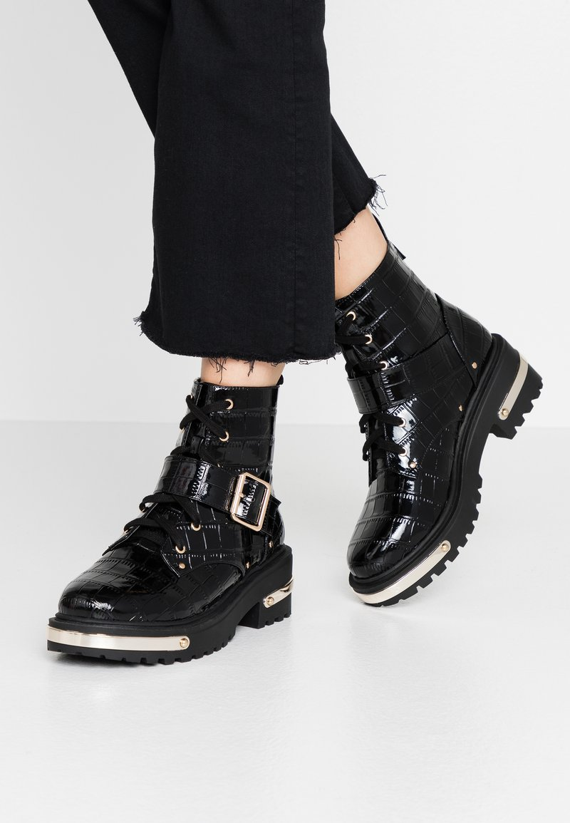 Missguided - METAL DETAIL HIKING BOOT - Platform ankle boots - black