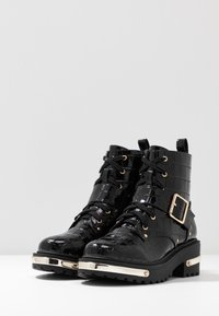 Missguided - METAL DETAIL HIKING BOOT - Platform ankle boots - black - 4