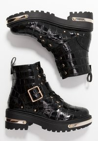 Missguided - METAL DETAIL HIKING BOOT - Platform ankle boots - black - 3