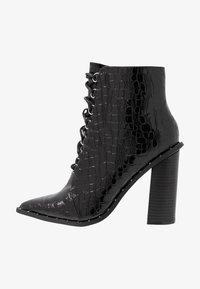 Missguided - STUDDED CROC LACE UP  - Kotníková obuv na vysokém podpatku - black - 1