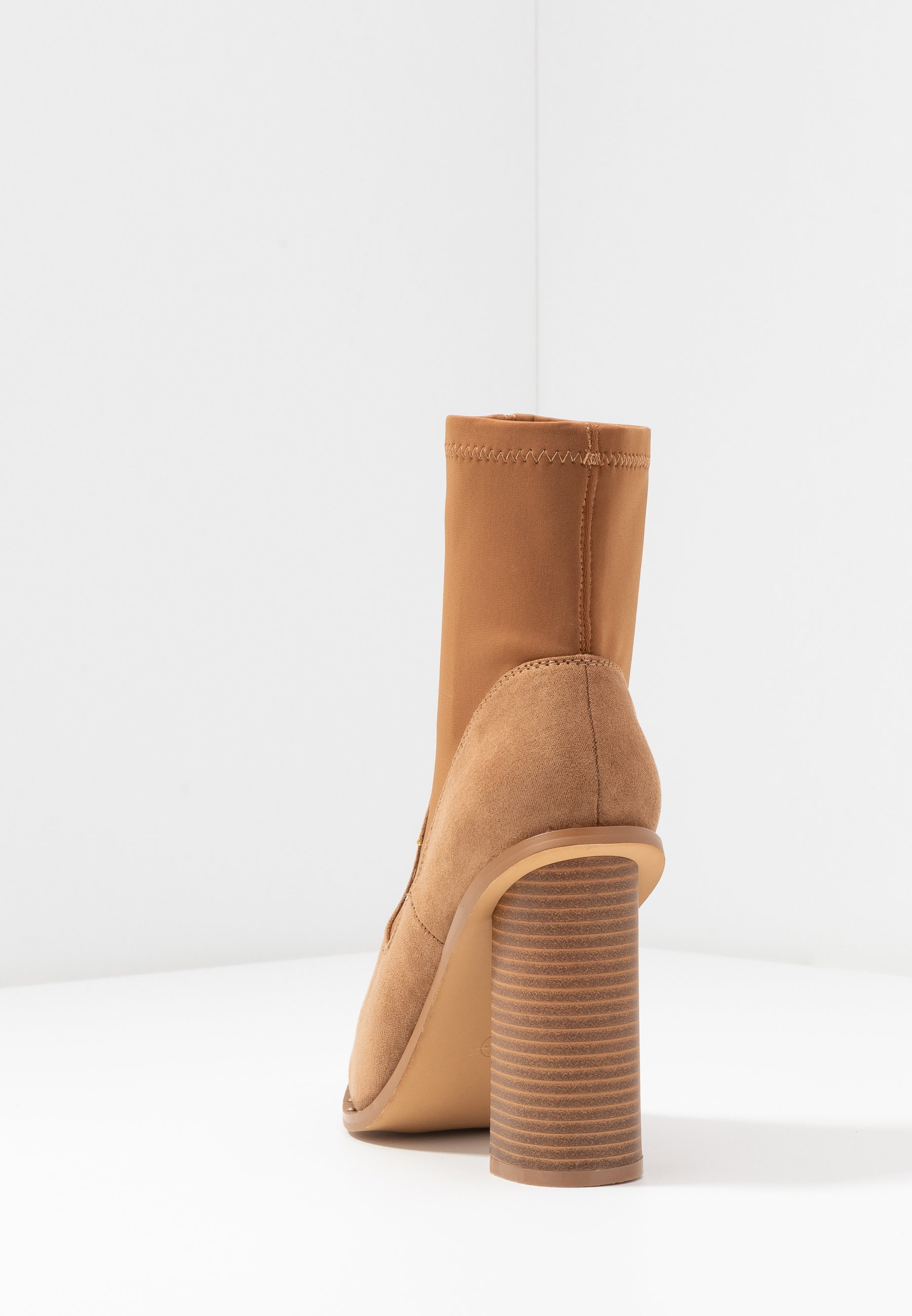 Missguided MIXED BOOT - Botki na obcasie - taupe