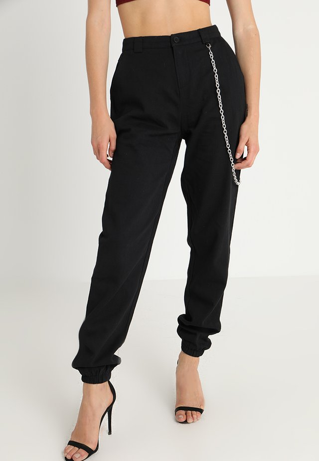 CHAIN DETAIL CARGO TROUSERS - Cargo trousers - black