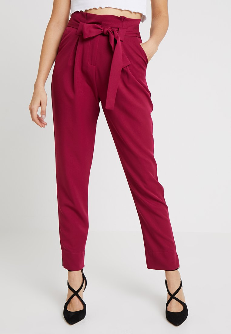 Missguided - PAPERBAG WAIST BELTED TROUSER - Broek - fuchsia