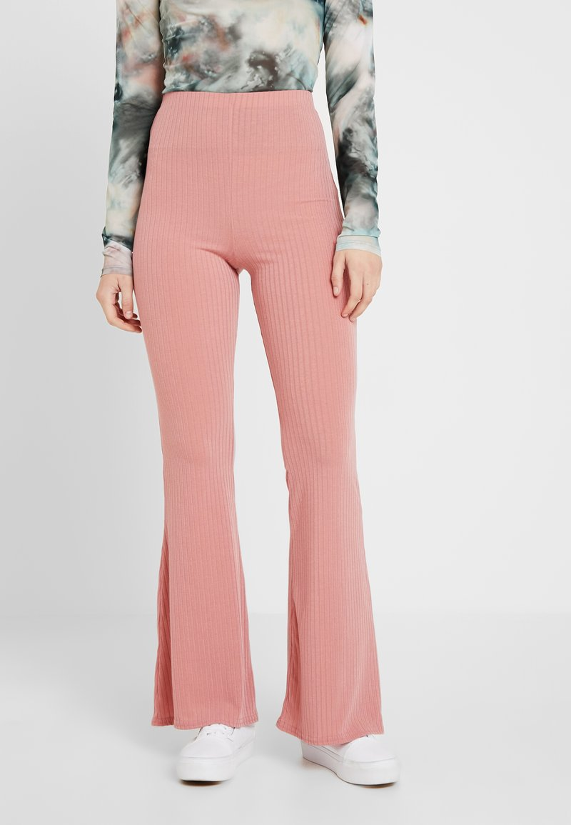 Missguided - FLARED TROUSER - Stoffhose - rose