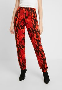 Missguided - CAMO UTILITY POCKET JOGGER - Joggebukse - orange - 0