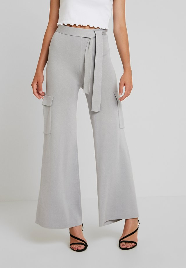 BELTED SIDE POCKET WIDE LEG TROUSERS - Trousers - grey