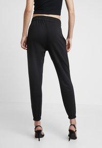 Missguided - BASIC 2 PACK JOGGERS - Bukser - black/camel - 3