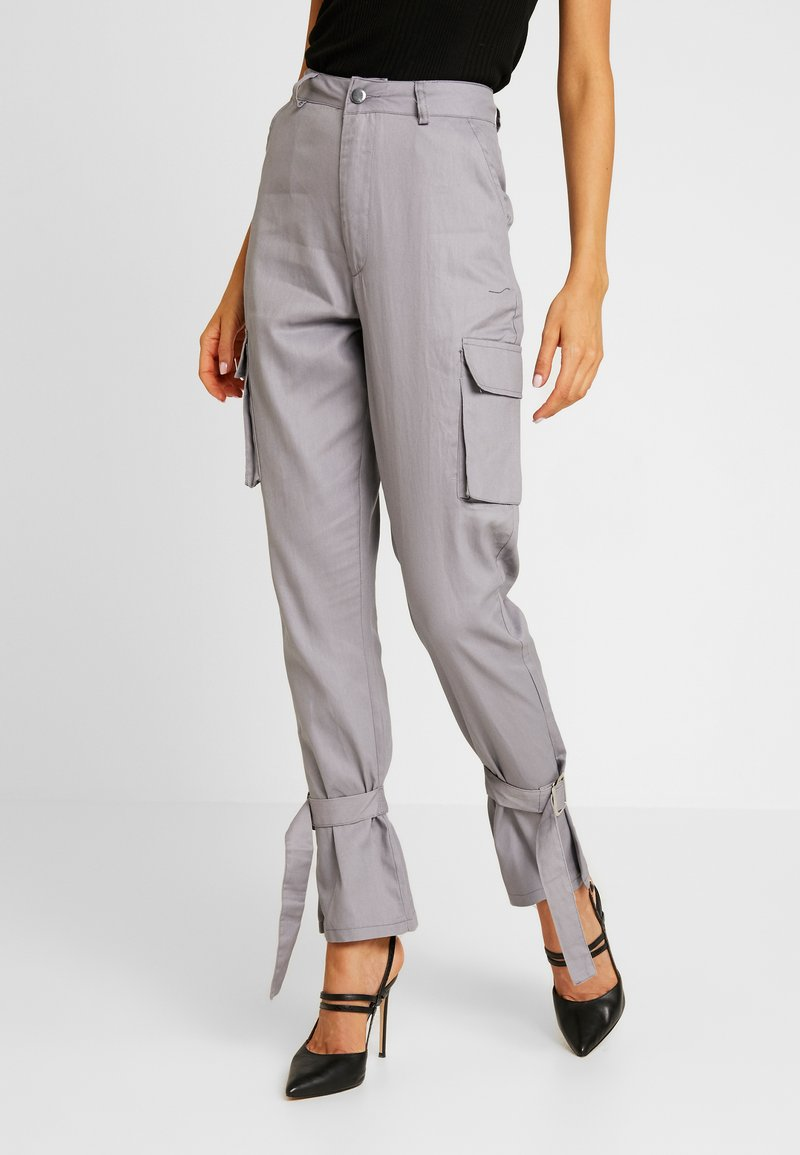 Missguided - D RING TIE HEM CARGO TROUSER - Stoffhose - grey