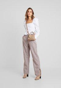 Missguided - PURPOSEFUL CHECKED SPLIT HEM TROUSERS - Trousers - purple - 1