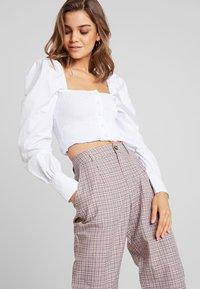 Missguided - PURPOSEFUL CHECKED SPLIT HEM TROUSERS - Trousers - purple - 3