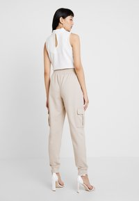 Missguided - UTILITY POCKET HIGH WAISTED - Pantalones deportivos - nude - 2