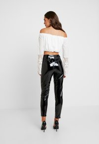 Missguided - ZIP DETAIL TROUSERS - Trousers - black - 3