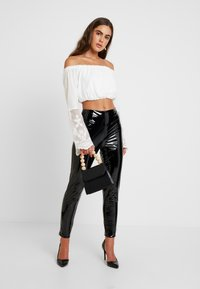 Missguided - ZIP DETAIL TROUSERS - Trousers - black - 2