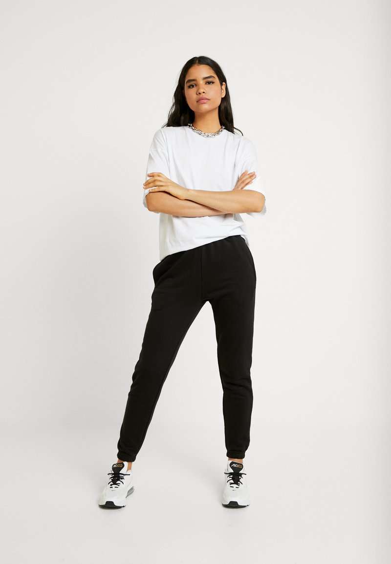 Missguided - 2 PACK BASIC JOGGERS - Tracksuit bottoms - white/black