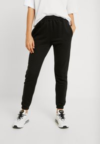 Missguided - 2 PACK BASIC JOGGERS - Tracksuit bottoms - white/black - 1