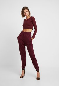 Missguided - 2 PACK BASIC JOGGERS - Joggebukse - grey/burgundy - 0
