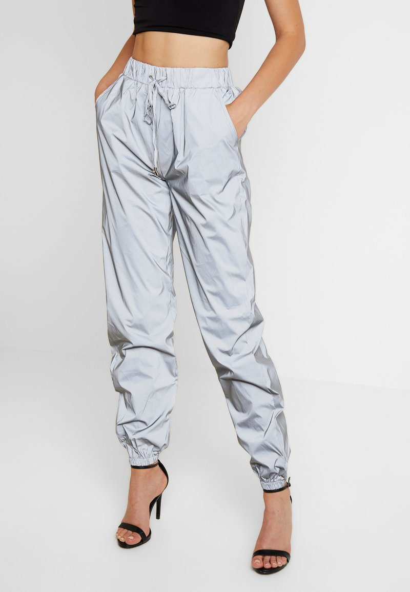 Missguided - TOGGLE REFLECTIVE JOGGERS - Trousers - silver