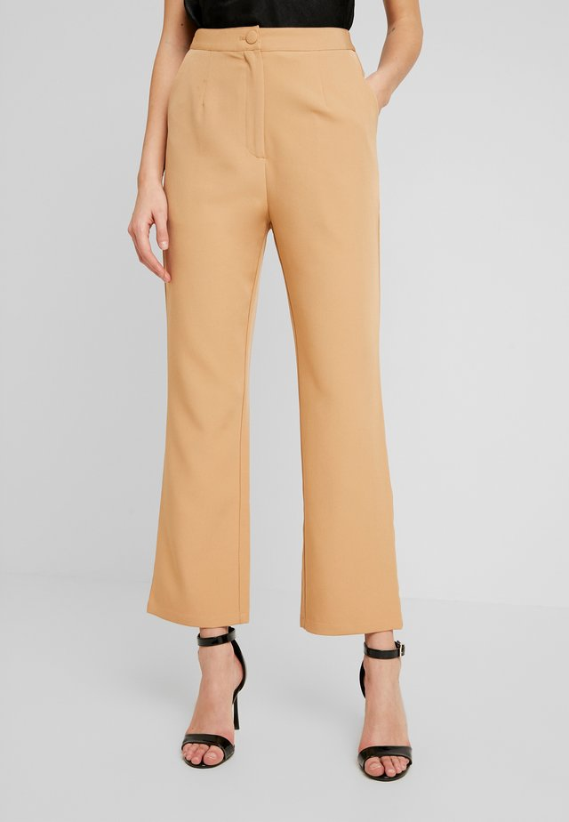 TAILORED TROUSER  - Bukser - camel