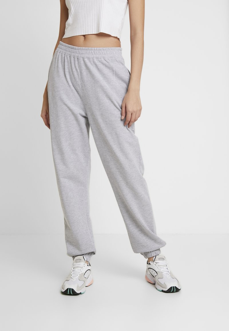 Missguided - BASIC JOGGER - Pantalon de survêtement - grey