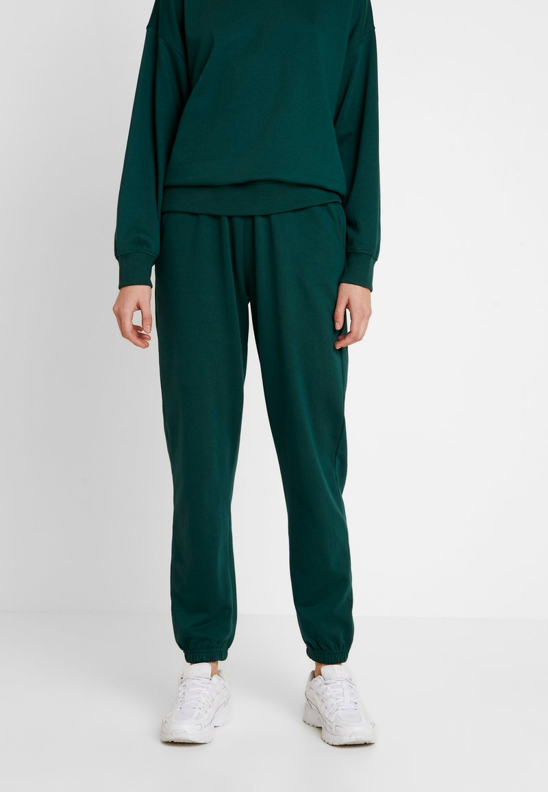 Missguided - BASIC JOGGER - Pantalones deportivos - green