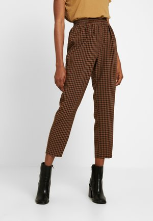 TIE WAIST SLIM LEG TROUSERS - Pantaloni - brown