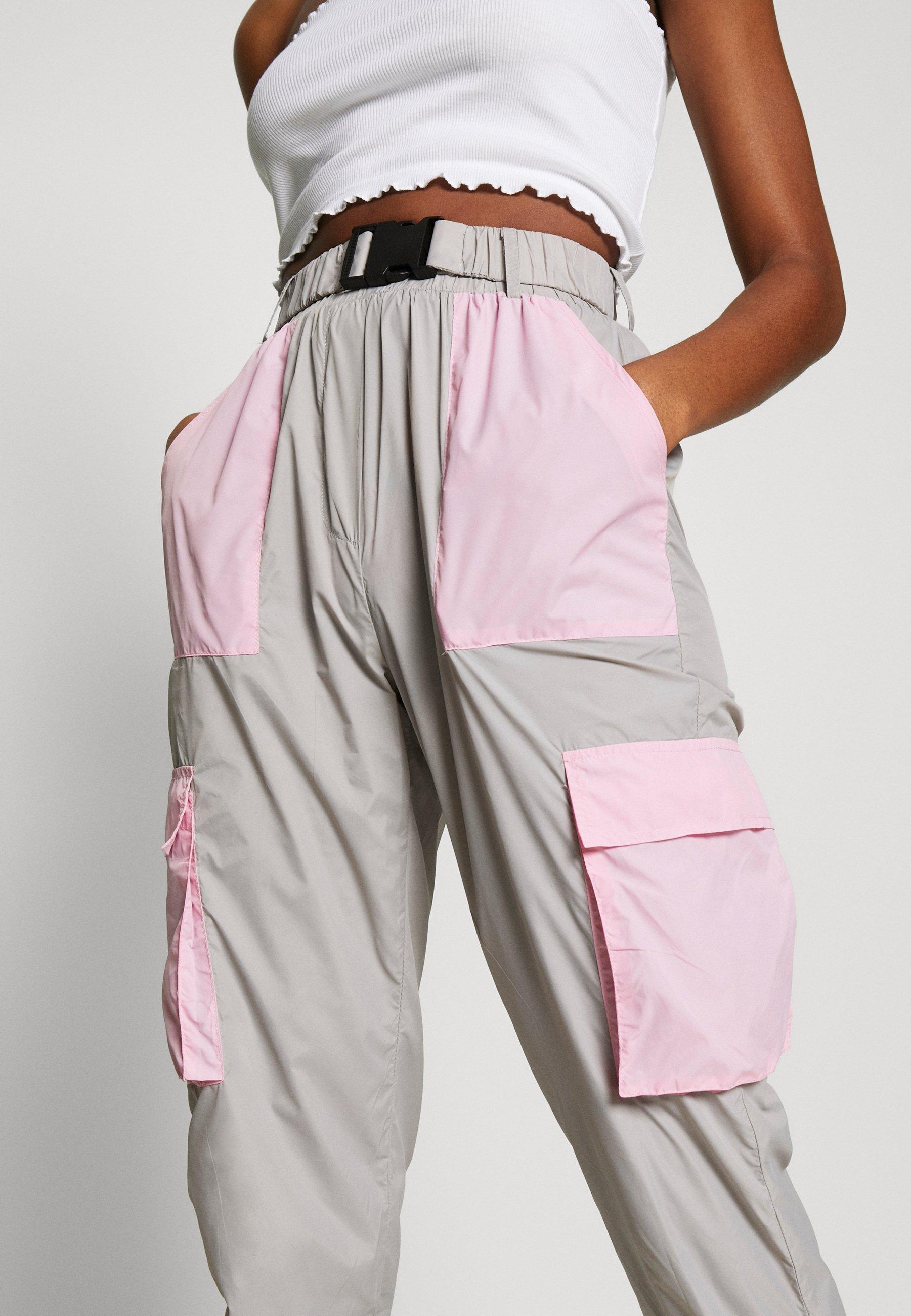 Missguided CODE CREATE BUCKLE BELT TRACKSUIT BOTTOMS - Spodnie treningowe - grey/pink